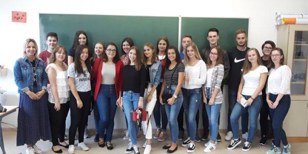 http://gimnazija-gracanica.com/wp-content/uploads/2018/09/IIIa2018-600x300.jpg