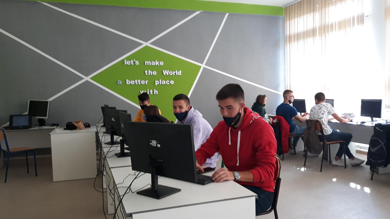 Novi kabinet informatike pušten u funkciju